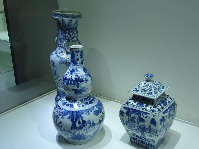 Ming porcelain.JPG