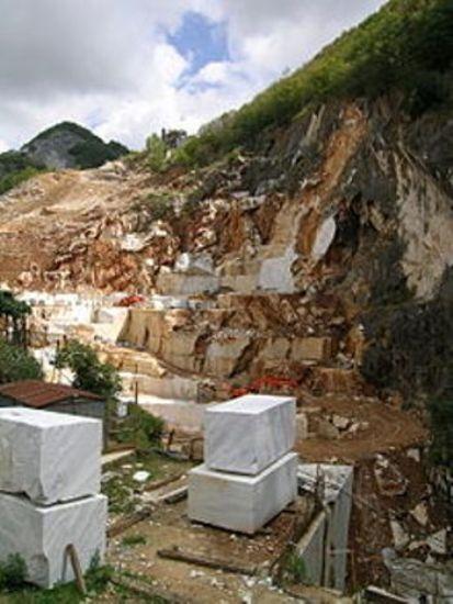 carrara-marble-quarry